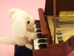 mini-piano-charmy2_sm